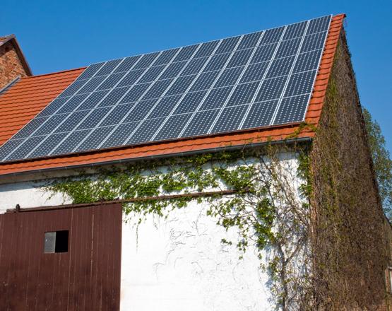 paneles solares granja
